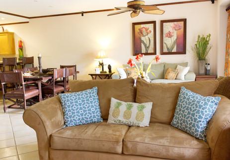 08-Living Room.jpg