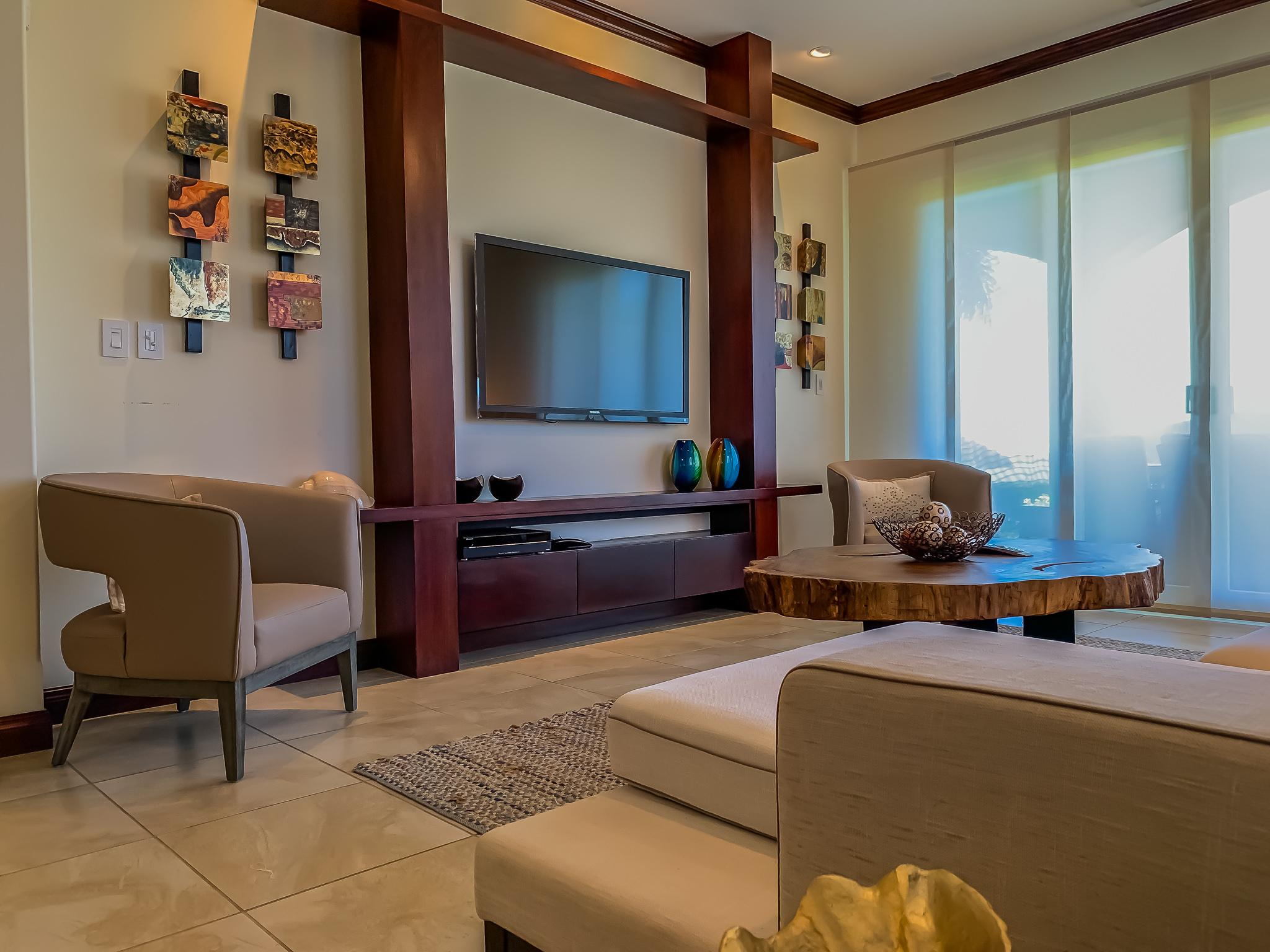 Living Room 4-2
