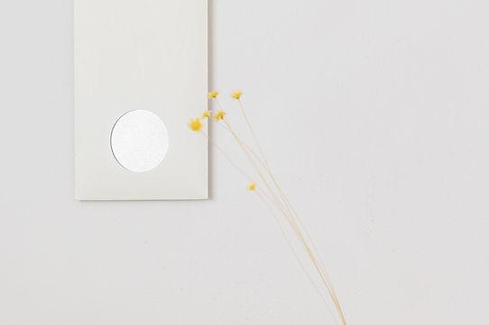 箔紙は角度によって光が反射
