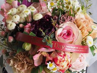 ご予約をお願いします!母の日のお花