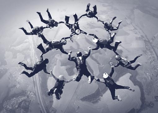 achievement-team-sky-divers.jpg