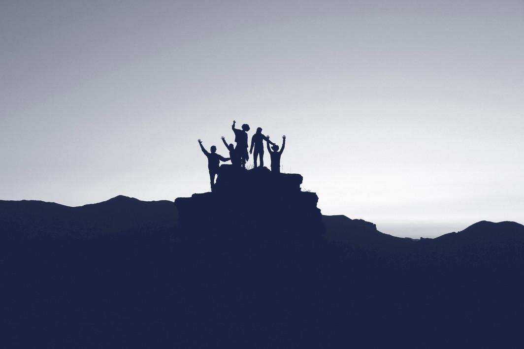 achievement-team-mountain.jpg