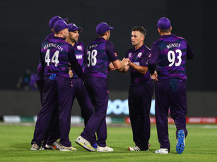 ICC T20 WC 2021 - Round 1 - Scotland advance into Super 12s as they ease past Oman by 8 wickets