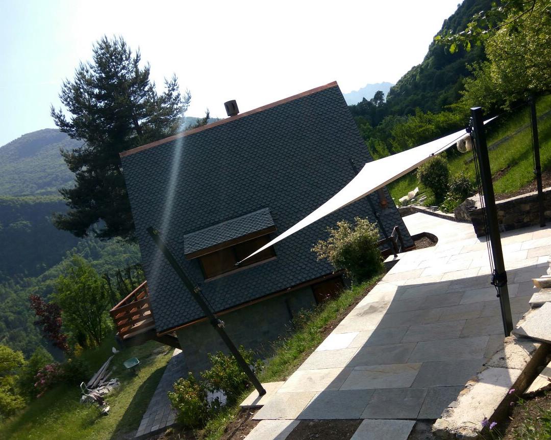 tende-vela-giardino-casa-bergamo.jpg