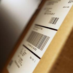 esempio di etichetta su box in carton nel settore logistica e trasporti