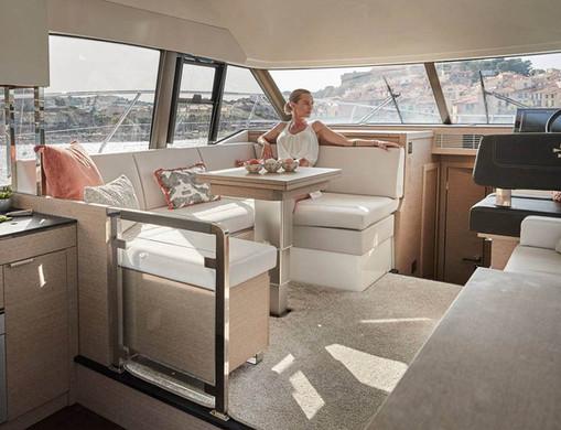 prestige 420 new -interieur5.jpeg