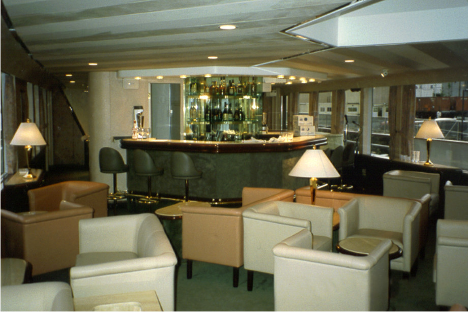 LADY CRYSTAL INTERIOR