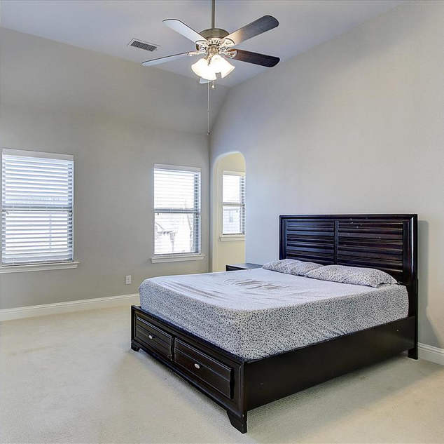 38-Bedroom_5(1).jpg