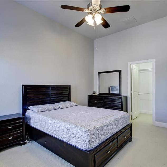 37-Bedroom_5.jpg