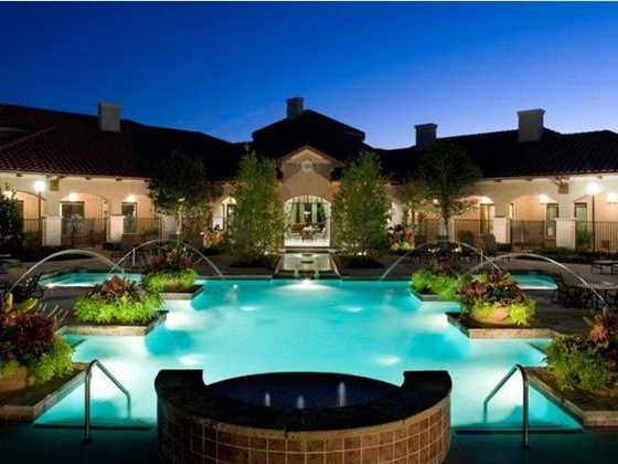 las colinas apartments for rent realtor  TX_Irving_LaVillita_p0537194_1_1_1_PhotoGallery