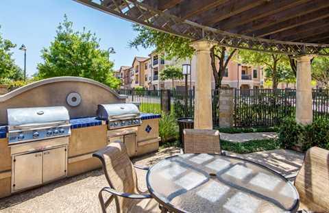 las colinas apartments for rent realtor  Lincoln Property- LaVillita-poi-010