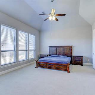 19-Master_Bedroom.jpg