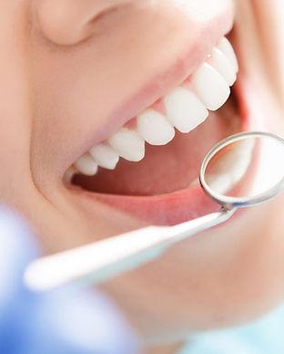 cosmetic-dentist-500.jpg