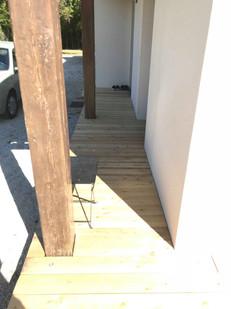 72211318_2lame bois de terrasse.jpg703623893007918_27692464096715