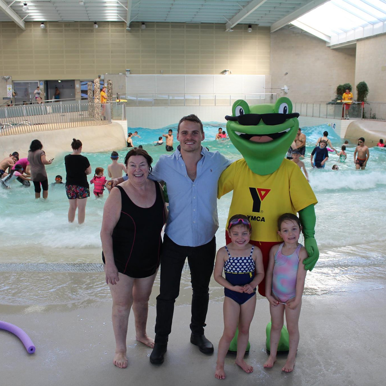 Pool re-launch with a swimming star.