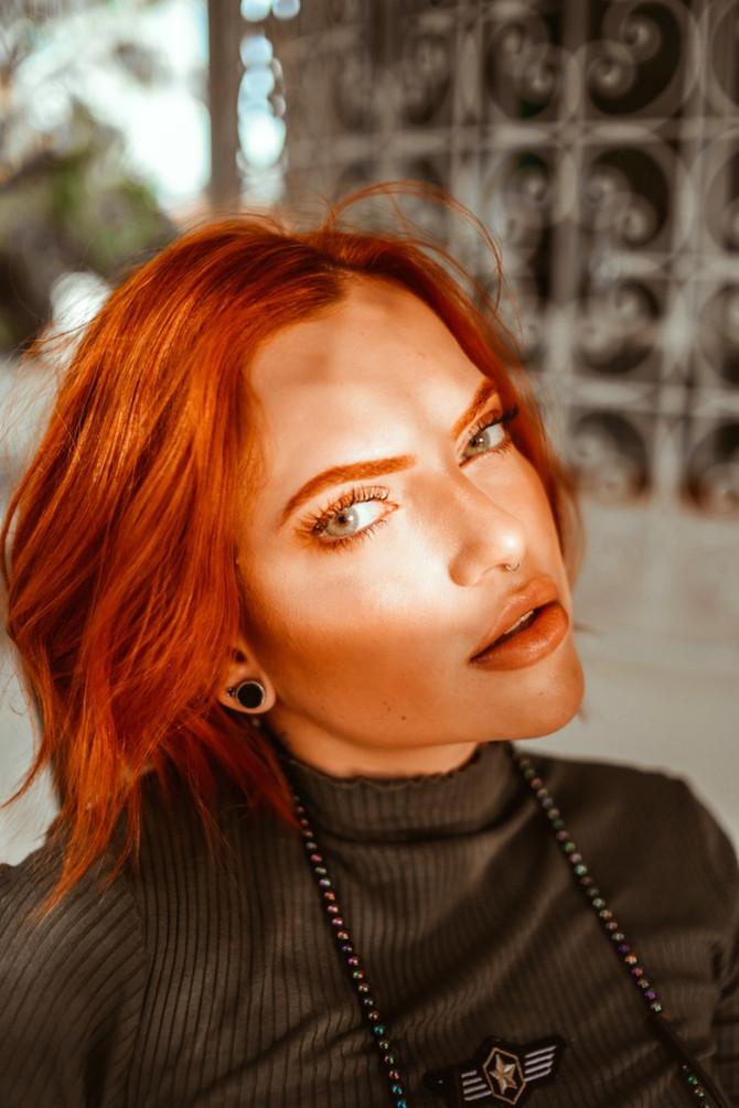 Lipo de papada: procedimento é capaz de melhorar contorno facial do rosto