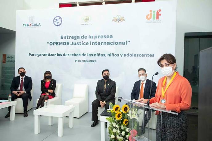 """Entrega de la presea """"OPEMDE Justice Internacional"""""""