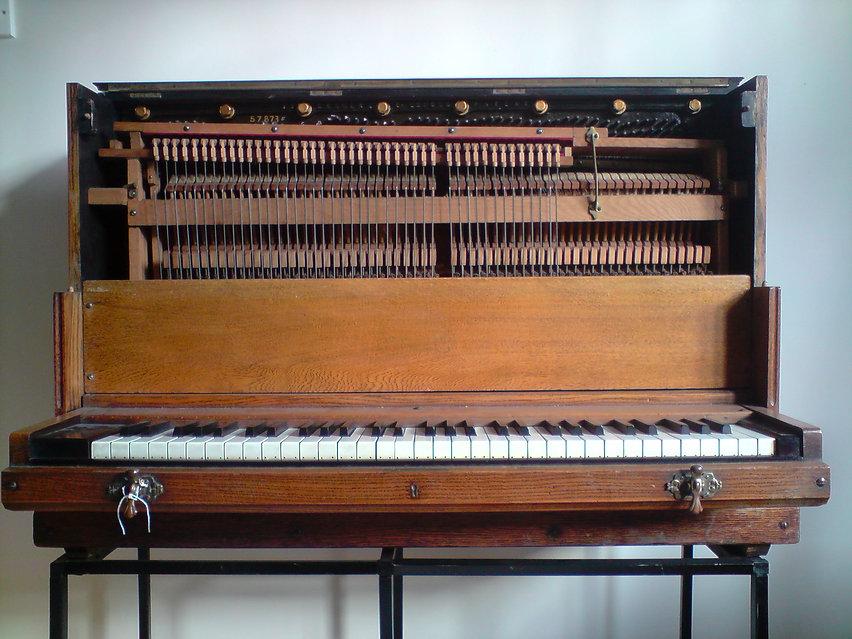 ships piano.JPG