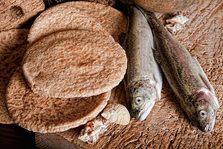 Panes-y-peces.jpg
