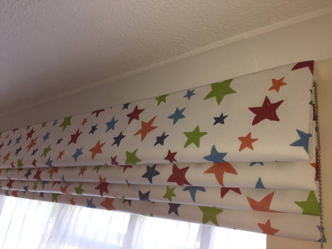 Funky Roman Blackout Blinds for a Child's Room