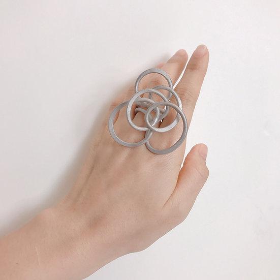 Mei Lee - Spaghetti Ring