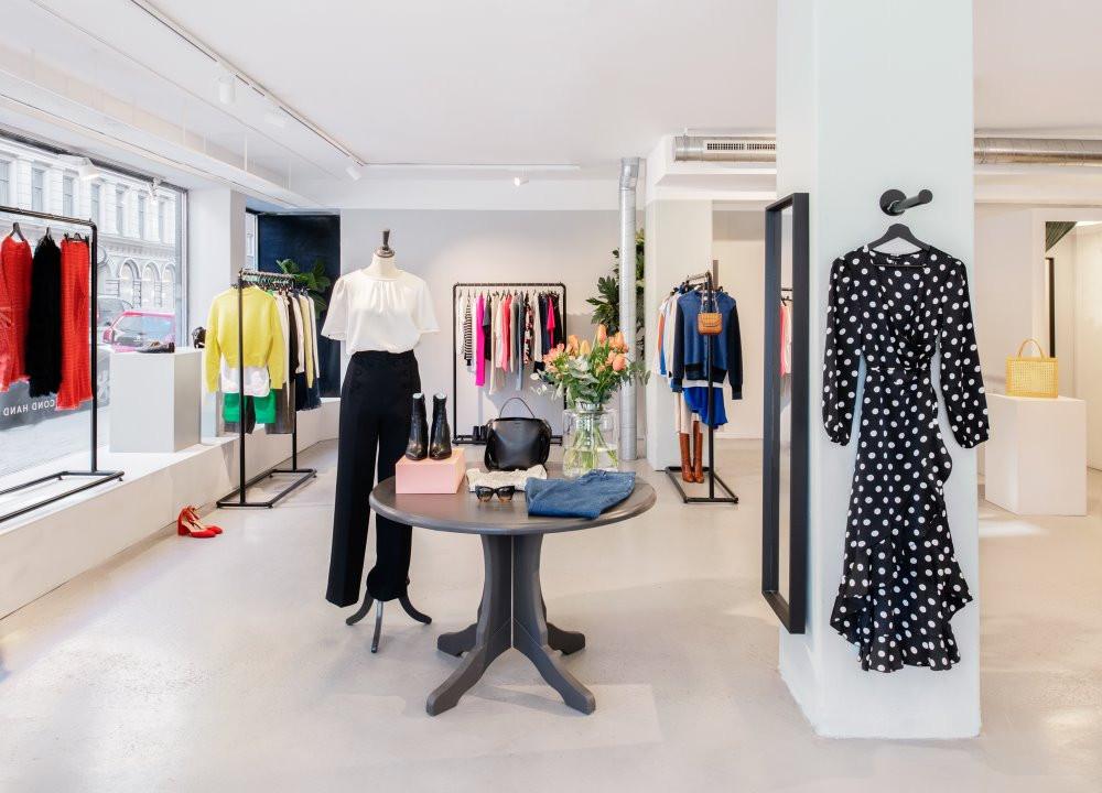 Butiksinredning och kläder från Arkivets second hand i Stockholm.