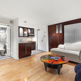318 West 15th Street Unit A New York, NY 10011