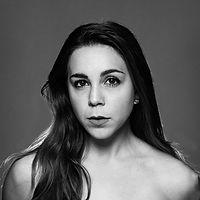 Aline Carili Lacerda, headshot