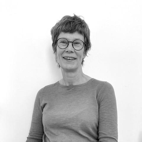 Dr. Tine Dusauchoit