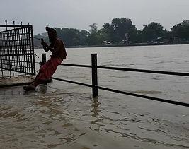 Lo scorrere del Gange a Haridwar. Agosto 2017