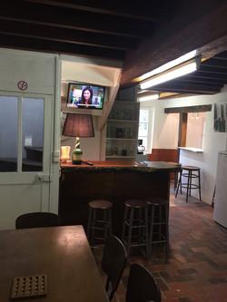 Relais du Château TV escalier vers 1