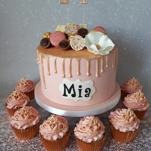 Mia drip cake.jpg