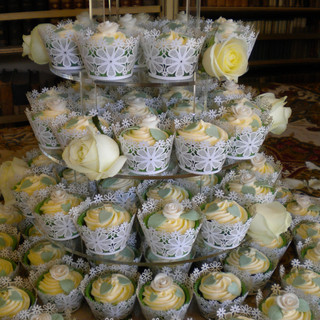 Amandas cakes 015.JPG