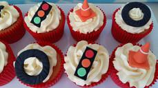 Cars cupcakes.jpg