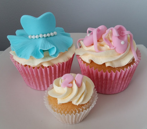 Ballerina cupcakes.jpg