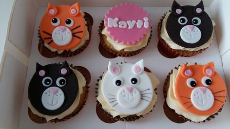Cat cupcakes.jpg