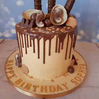 sophia drip cake.jpg