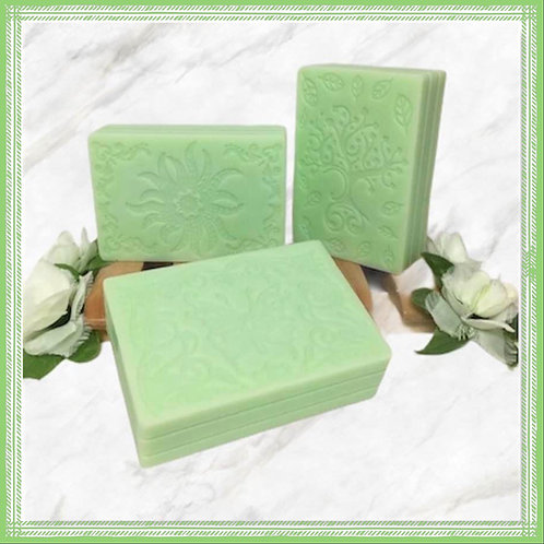 Fresh Apple Solid Shampoo Bar