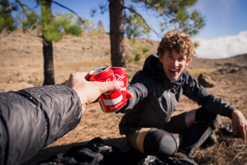 """Verdiente """"Gipfel""""-Coca verspätet auf der Abfahrt. Auf dem Gipfel war es schlichtweg zu ungemütlich für eine Pause."""