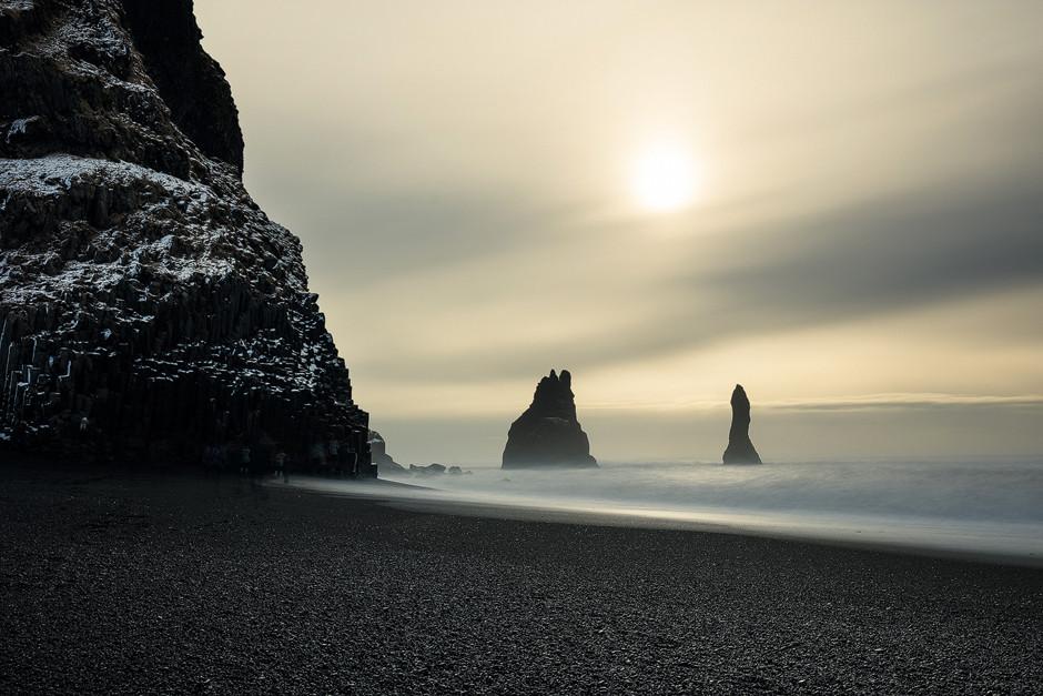 Strand Vik, Island: Friedliche Morgenstimmung.