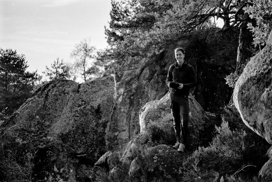 Bleau-Zeit ist auf jeden Fall auch Foto-Zeit. Ich fotografiere auch wieder vermehrt auf Film. Schwarz Weiss. Black and White. bastianpaas.de