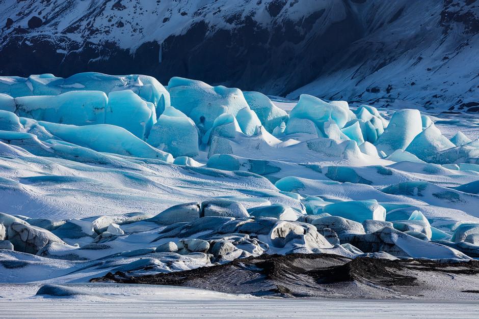 Die Mächtigkeit und das Farbenspiel des Gletscherbruchs - einfach nur beeindruckend! ..und eine lohnende Morgenwanderung. Gletscherzunge Island.