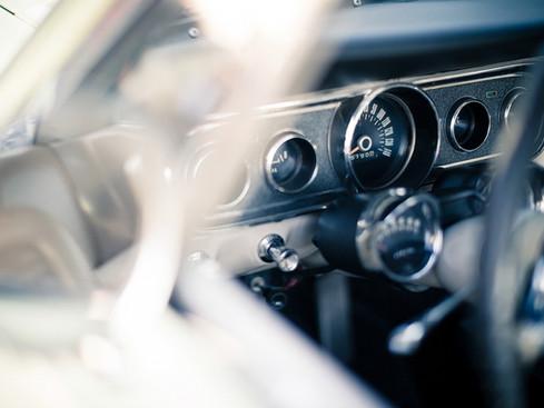 Ford_Mustang_interieur.jpg
