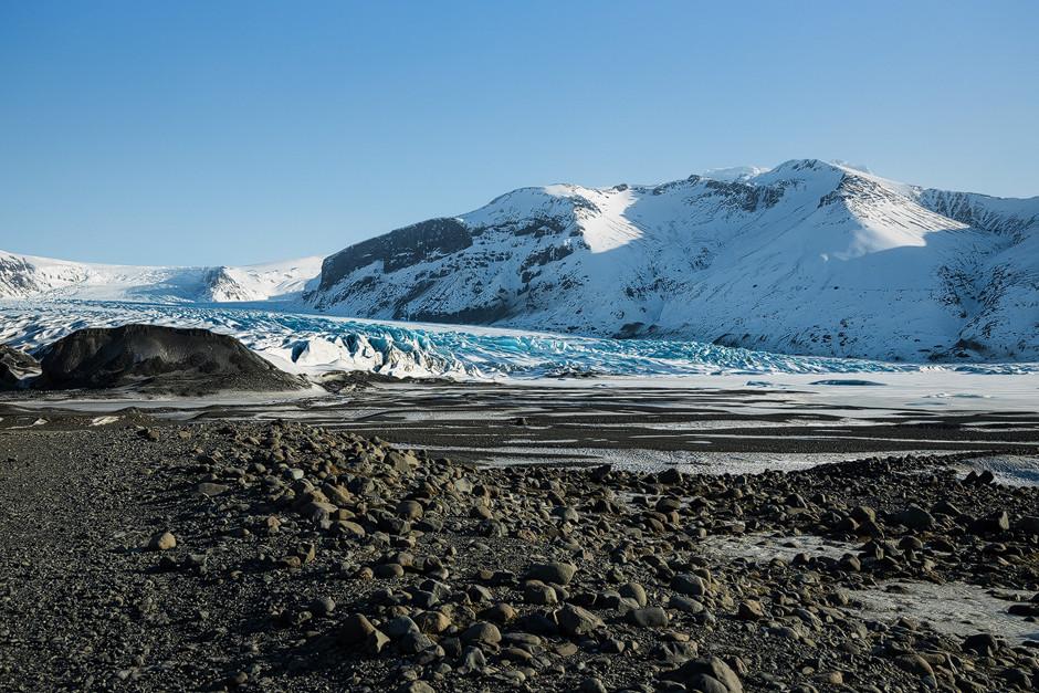 Schier unendlich groß in der Wahrnehmung und doch nur eine von ganz vielen Gletscherzungen rund um den Vatnajökull im Skaftafell Nationalpark.