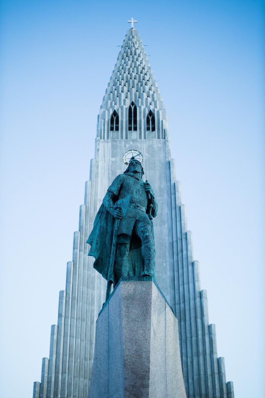Reykjavik: Was für eine ereignisreiche Woche! Aus Fotografensicht habe ich selten so eine höhepunktjagende Zeit erlebt wie in Island. Nun kann ich es sagen: Island ist zu Recht ein so beliebter Ort unter Fotograf*innen. Es ist überwältigend!