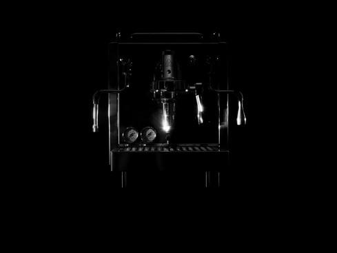 café_espresso_giulia_black_and_white.jpg