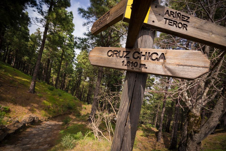 """Cruz Chica: Startpunk des Downhills in Richtung Norden bis runter nach """"Teror"""". Theoretsich kann man den Pfad aber bis ganz runter an die Küste nach """"Las Palmas"""" fahren."""