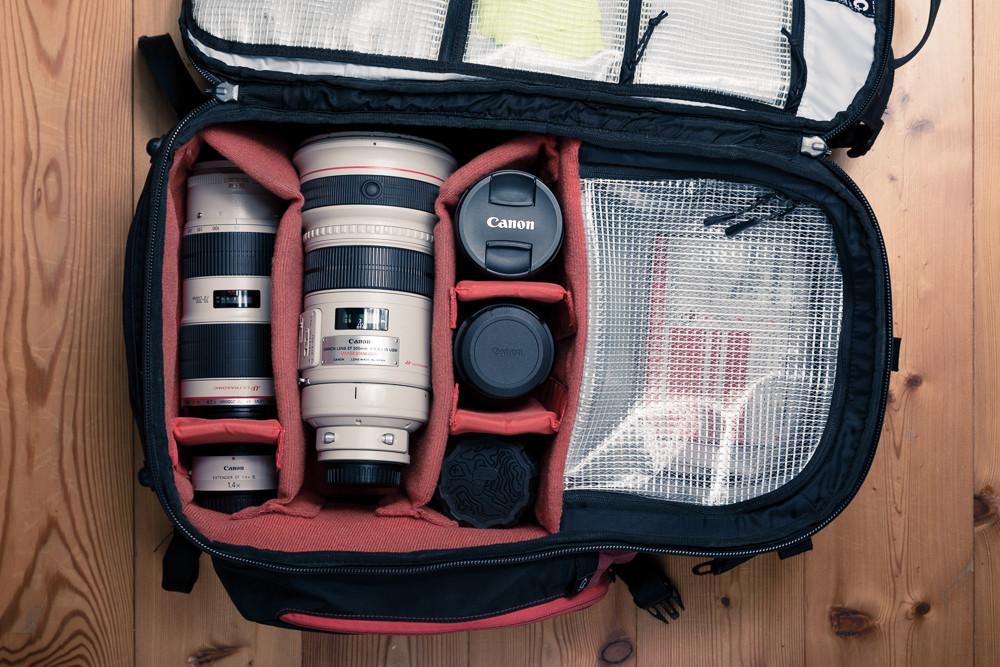 Objektiv Review: Fotorucksack für Sportfotografen von Evoc CP26L mit den ausgewählten Objektiven von Canon und Sigma für die Island Fotoreise