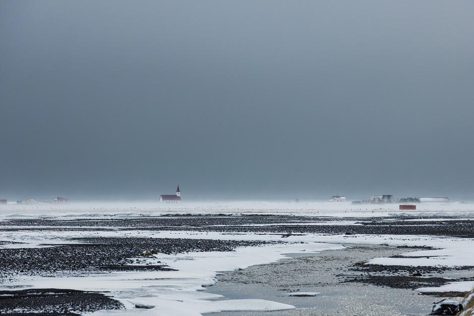 In der einen Minute noch freundlich - und wenig später schon fast bedrohlich. Island ist charakterisiert durch super abwechslungsreiche Landschaften und extrem unbeständiges Wetter. Wechselnde Lichtstimmungen inklusive.