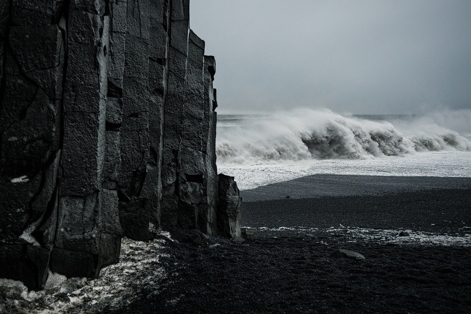 Sneaky waves: Und immer wieder dieser aggressive Ozean. Von vorne meterhohe Wellen und von hinten heftigste Sturmböen. Wir mussten wirklich gegenseitig auf uns aufpassen beim Fotografieren.